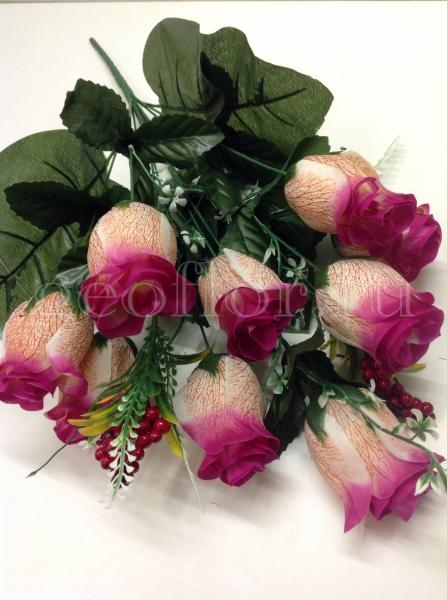 Букет роз бутонов с ягодами, 11 в